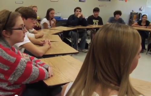 Ellen Shelton's class discusses the 2008 election and argumentative writing.